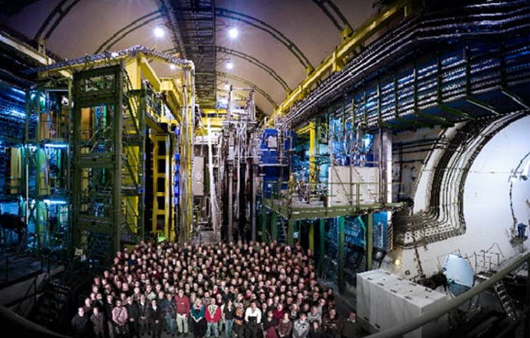 Members of the collaboration and the LHCb cavern, November 2008