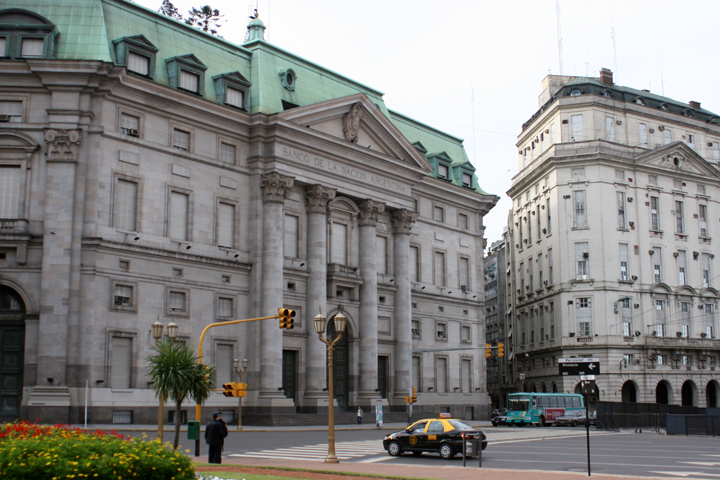 National Bank, Argentina - April Killingsworth (Creative Commons 2.0)